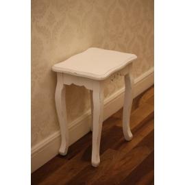 декоративниый столик''класика ''